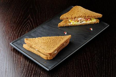 Сендвич с куриной грудкой