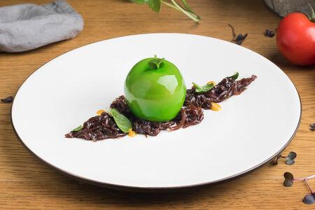 Утиный паштет в яблочной глазури