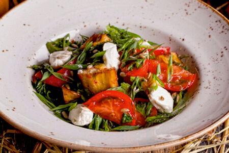 Салат из хрустящих баклажанов с томатами