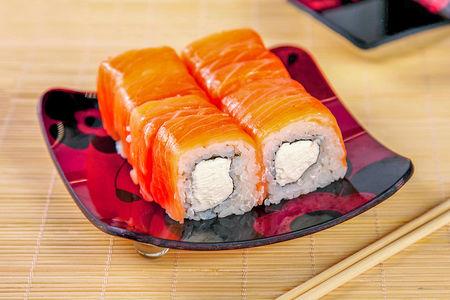 Ролл Нежный с лососем