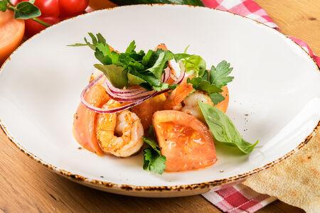 Салат Помидоры с креветками