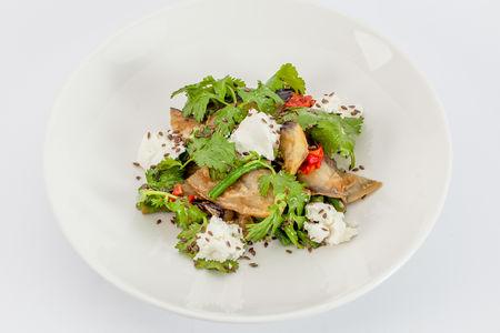 Салат с баклажанами и козьим крем-сыром
