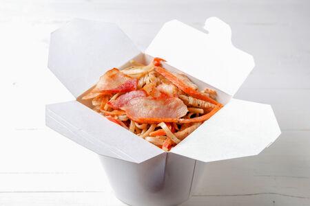Вок Курица и бекон в сливочном соусе