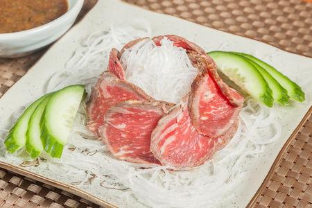 Мясо Татаки с соусом