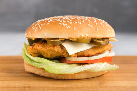 Халапеньо чикен сэндвич