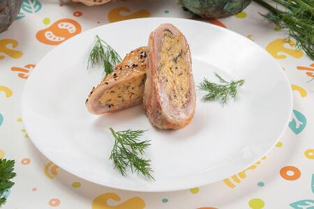 Рулет куриный с сыром и зеленью