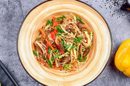 Лапша Удон с овощами и грибами шиитаке с соусом терияки