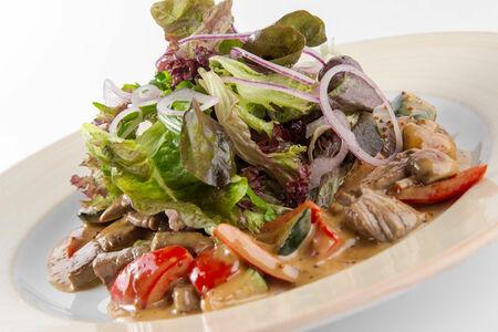 Теплый салат с говяжей вырезкой