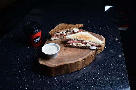 Нянь-сэндвич