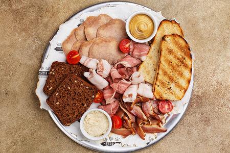 Фермерские мясные деликатесы