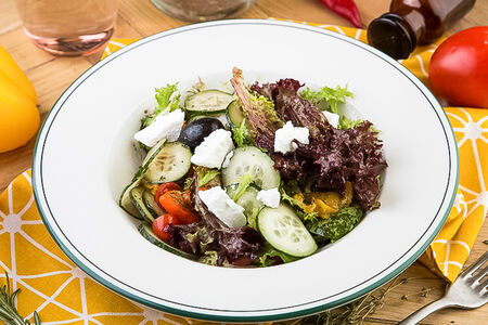Салат Овощи с греческими оливками