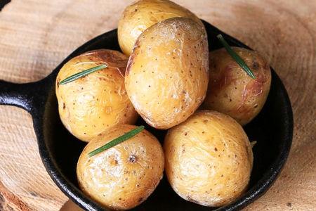 Картофель в соляном растворе