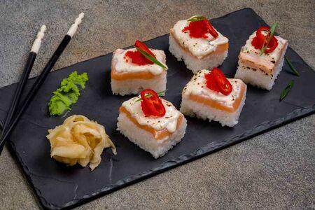 Осидзуси с лососем