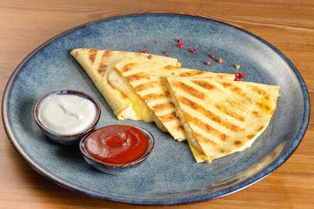 Кесадилья сырная
