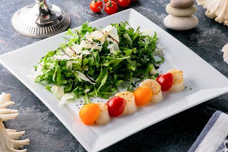 Теплый салат из гребешка