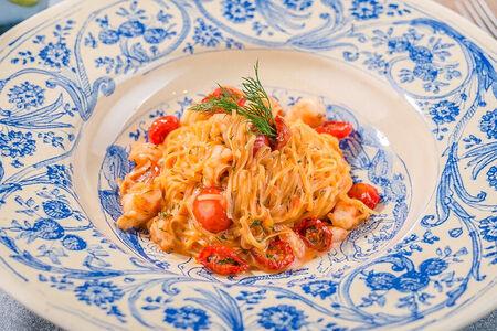 Паста с креветками, помидорини и Перно рикар