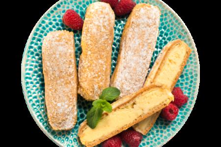 Пирожное Эклер с ванильной начинкой обсыпной от шеф-кондитера АВ