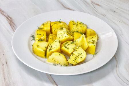 Картофель отварной с маслом