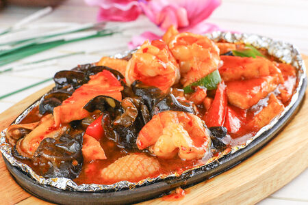 Ассорти из морепродуктов с тофу