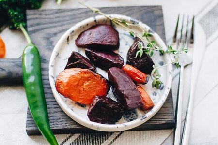 Печеная свекла и морковь