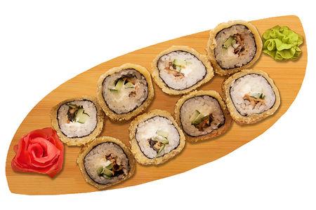 Ролл Жареный лосось темпура