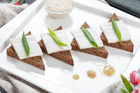 Гренки из бородинского хлеба с салом