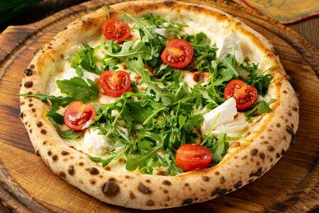 Пицца Бьянка с рукколой и рикоттой