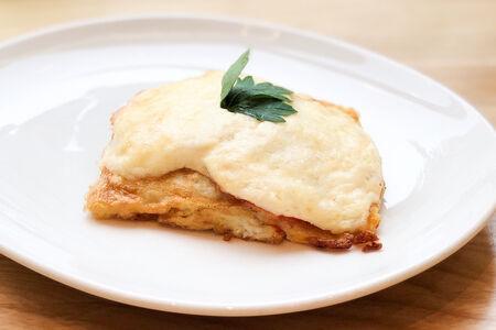 Сайда запечённая с помидором и сыром