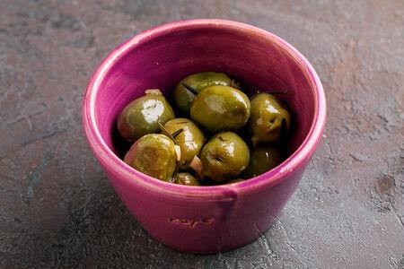 Гигантские зеленые оливки