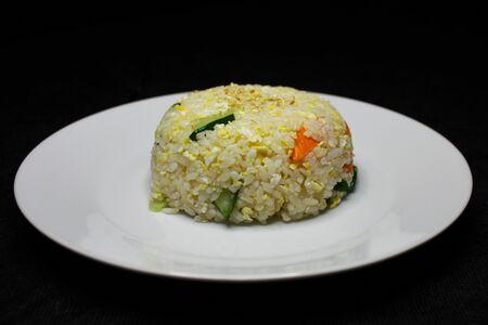 Рис, жаренный с яйцом