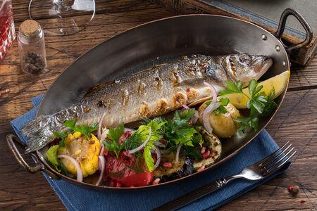 Сибас с овощами на гриле