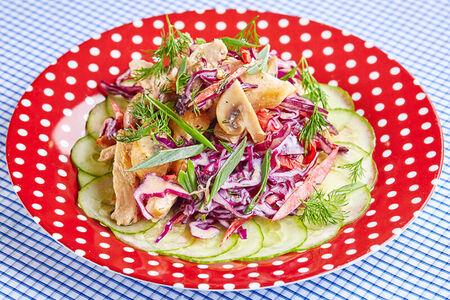 Салат с курицей в йогуртовом соусе