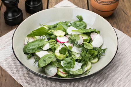 Салат с грядки с редькой