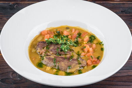 Чечевичный суп с мясом барашка