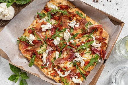 Пицца римская с пармой и рукколой