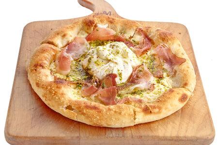 Неополитанская пицца с Бураттой и хамоном