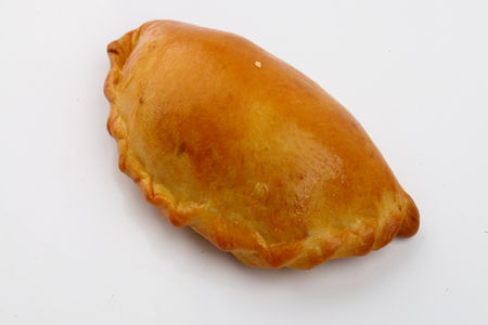 Пирожки cъ соленымя огурцами