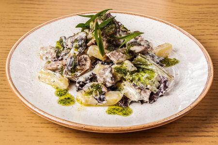 Салат из говядины и грибов