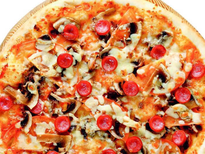 Пицца Фирменная с копченостями