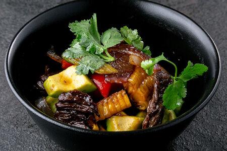 Овощное соте с говядиной