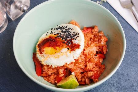 Бали-боул с рисом и яйцом