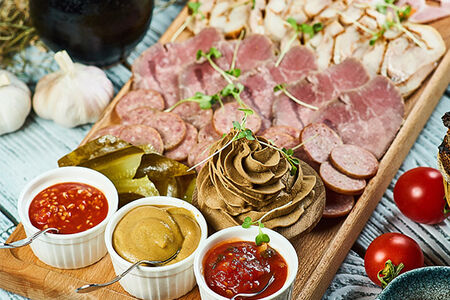 Тарелка домашнего мяса