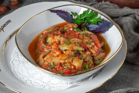 Теплый салат из баклажанов и помидоров