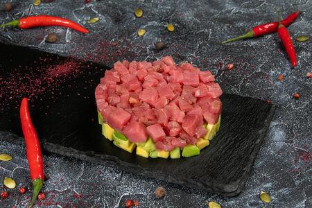 Тартар из тунца и авокадо