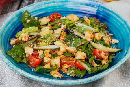 Восточный салат с сыром Гуда