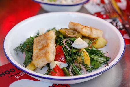 Теплый салат с треской