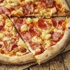 Фото к позиции меню Пицца Гавайская с кисло-сладким соусом