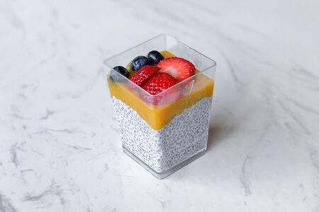 Десерт с семенами чиа