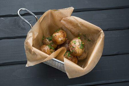 Картофель черри с чесноком