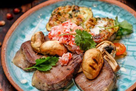 Шашлык из языка с запеченным картофелем